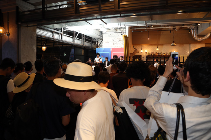 Photo13 - マンチェスター・ユナイテッド所属のマルアン・フェライーニ選手を招いた New Balance FOOTBALL 2015FW BOOTS REVEAL PARTY が開催