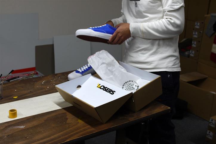 "Photo07 - LOSERS デザイナー sneakerwolf氏がドリッピング加工を施した LOSERS SCHOOLER LO ""Cobalt"" ""mita sneakers x sneakerwolf""を発売"