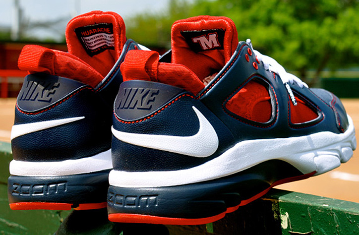Photo04 - Sony Playstation x Nike Zoom Huarache TR Low – Joe Mauer MLB The Show PE