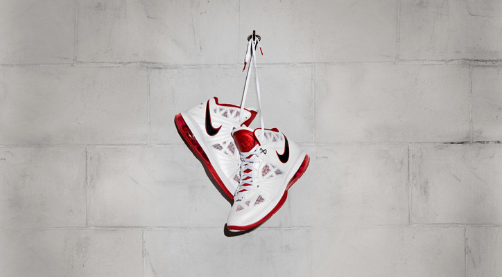 Photo01 - NIKE LEBRON 8 P.S.
