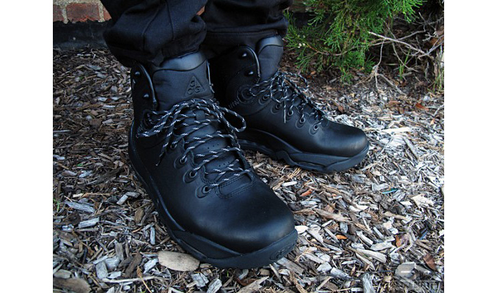 "Photo02 - Nike ACG Premium Boot ""Blackout"""