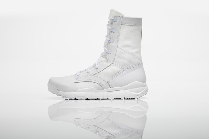 Photo02 - Nike SFB Boots Holiday 2011