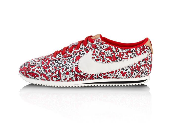 Photo02 - NIKE SPORTSWEAR x LIBERTY COLLECTION