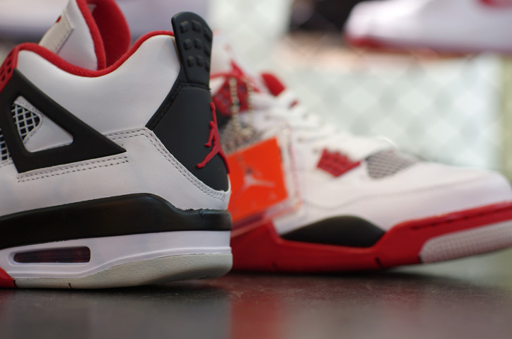 """Photo05 - AIR JORDAN IV RETRO """"LIMITED EDITION for NONFUTURE"""""""