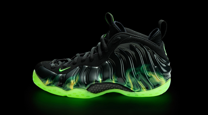 """Photo01 - Nike Air Foamposite One """"ParaNorman"""""""