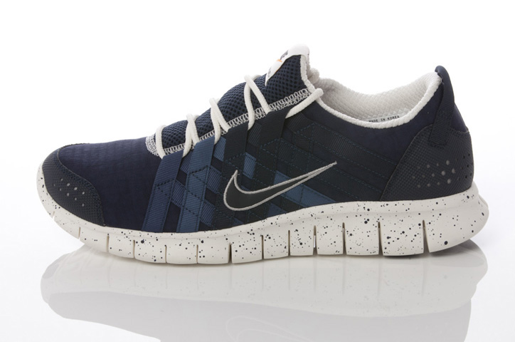 Photo13 - NIKE GREY / NAVY COLLECTION