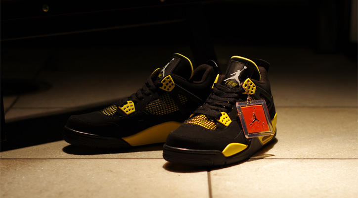 "Photo01 - AIR JORDAN 4 RETRO ""Thunder"" Japan Release Date"