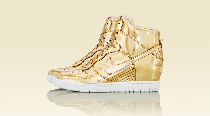 Photo01 - NIKE Metallic CollectionからNIKE DUNK SKY HIGH Au / Ag を発売