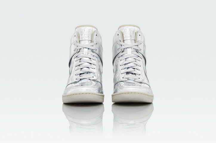 Photo04 - NIKE Metallic CollectionからNIKE DUNK SKY HIGH Au / Ag を発売