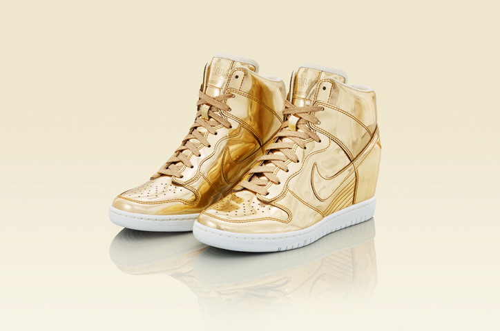 Photo07 - NIKE Metallic CollectionからNIKE DUNK SKY HIGH Au / Ag を発売