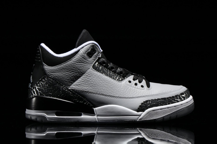 Photo02 - NIKE AIR JORDAN 3 RETRO WOLF GREY/METALLIC SILVER-BLACK/WHITE が発売