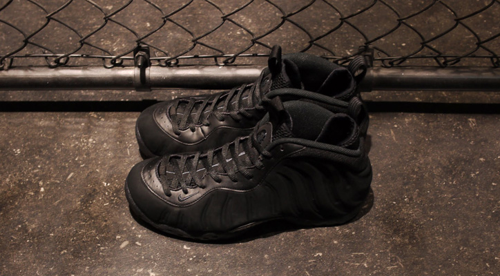 "Photo01 - NIKE AIR FOAMPOSITE ONE PREMIUM ""TRIPLE BLACK"" が発売"