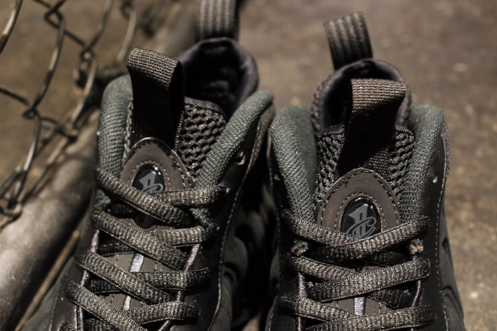 "Photo03 - NIKE AIR FOAMPOSITE ONE PREMIUM ""TRIPLE BLACK"" が発売"