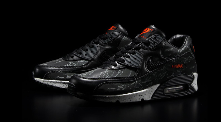 Photo01 - atmos Shibuya のオープンを記念し、NIKE AIR MAX90 BLACK TIGER CAMO を再販