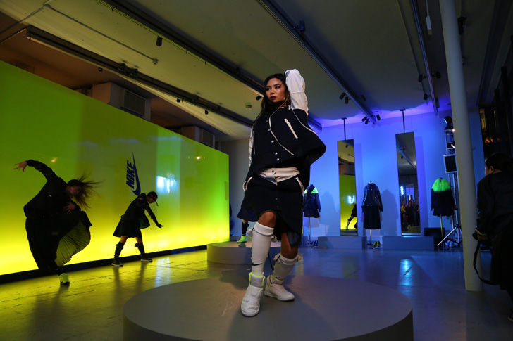 Photo18 - NikeLab x sacaiがスポーツウェアの定番に暖かく贅沢なひねりを加えた秋冬のコレクションを発表
