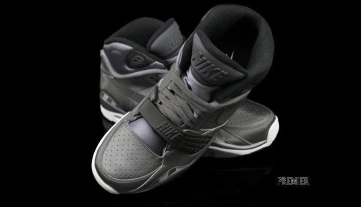 Photo04 - NIKE AIR TRAINER SC II METALLIC DARK GREY/ANTHRACITE