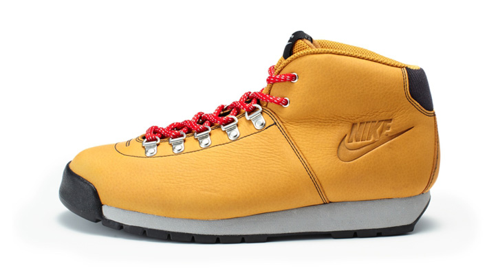 Photo13 - NIKE HOLIDAY 2011 BOOT PRODUCTS