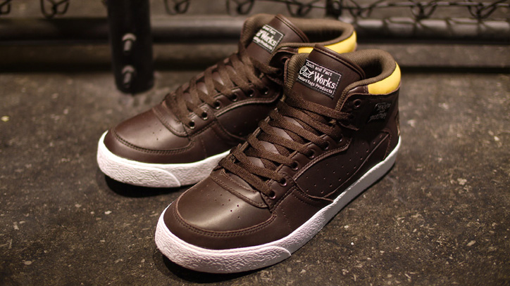 Photo04 - CLUCT x mita sneakers x THRASHER BUCHANAN DOG