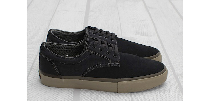 Photo02 - Vans Syndicate Derby