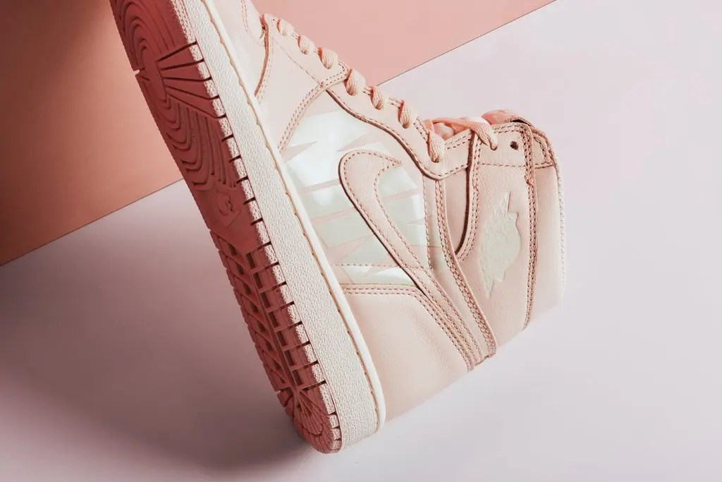 Air_Jordan_1_Retro_High_OG_-_Guava_Ice-Sail_-_555088-801-August_22_2018-3_1024x1024