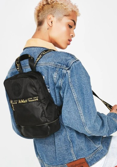 Dr. Martens ONYX SMALL GROOVE DNA BACKPACK-01