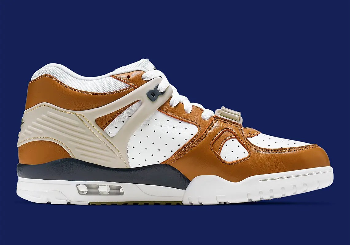 nike-air-trainer-3-medicine-ball-CJ1436-100-3