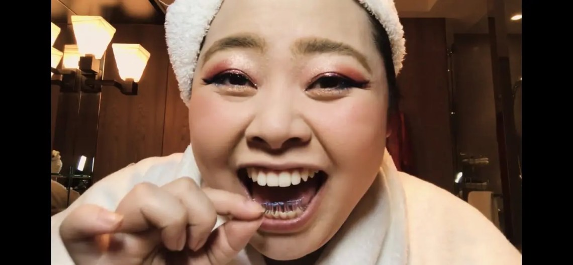 Naomi Watanabe's Guide to Glitter Eyes and Bold Lips Beauty Secrets Vogue-08