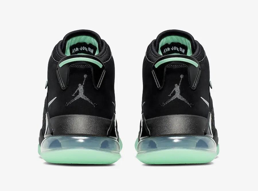 Jordan-Mars-270-Green-Glow-in-the-Dark-CD7070-003-5