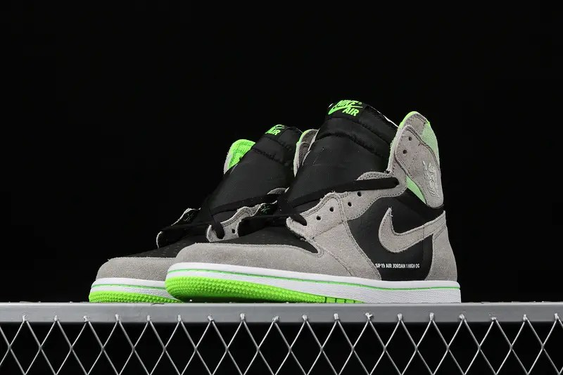 NIKE AIR JORDAN 1 RETRO HIGH OG NEUTRAL GREY VOLT 555088-070-01