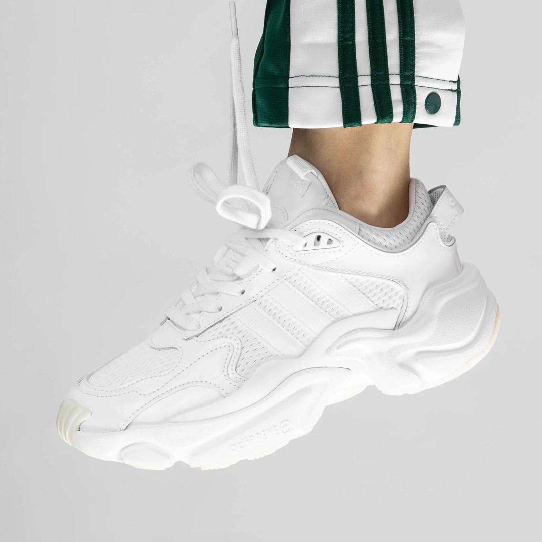 adidas-Magmur-Runner-White-EE4815-07