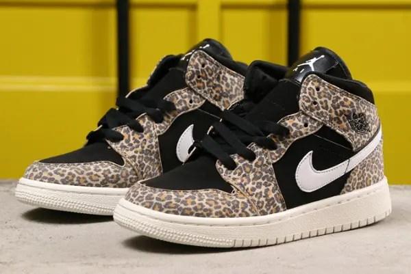 Nike Air Jordan 1 Mid SE GS BQ6931-021-02