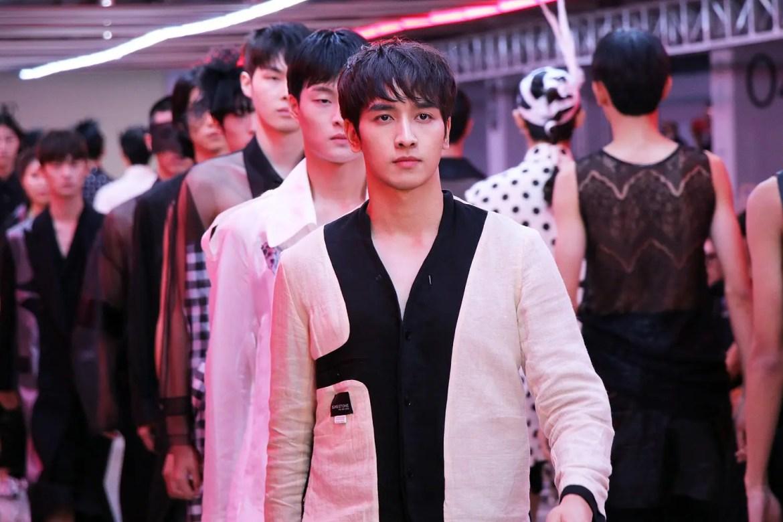 Seoul Fashion Week 2020 SS SFW ソウル ファッション ウィーク 2020年 春夏 最新 PRODUCE X 101 プロデュース X 101 プデュ Peak ピーク
