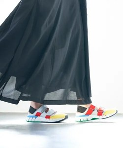 Onitsukatiger_Rebilac Sandals_with skirt