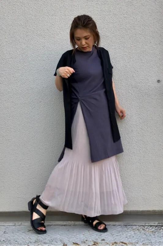 GU_wide_belt_sandals+X_black_staff_styling