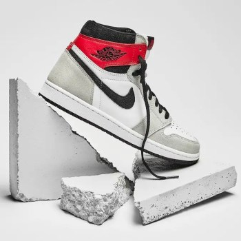Nike-Air-Jordan-1-Light-Smoke-Grey-555088-126-01