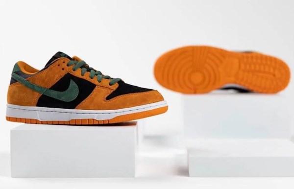 """Nike Dunk Low """"Ceramic"""" (ナイキ ダンク ロー """"セラミック"""") DA1469-001 pair side sole"""