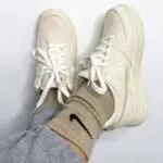 ステューシー ナイキ コラボ エア フォース 1 ロー Stussy-x-Nike-Air-Force-1-sallyssneakers