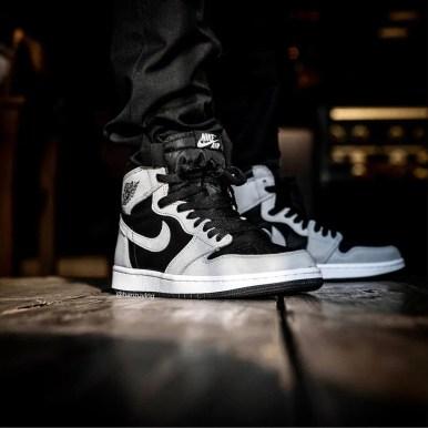 """ナイキ エア ジョーダン 1 ハイ OG """"シャドウ 2.0 Nike-Air-Jordan-1-High-OG-Shadow-2.0-555088-035-wearing"""