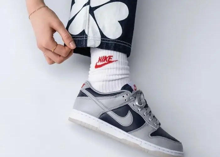 nike-wmns-dunk-low-college-navy-DD1768-400