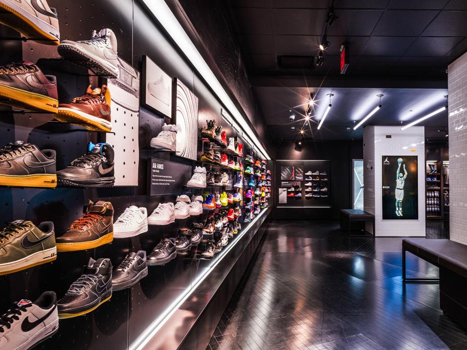 New Nike Huarache Black