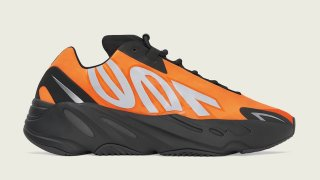 "【2/28】イージーブースト700 MNVN オレンジ / adidas Yeezy Boost 700 MNVN ""Orange"" FV3258"