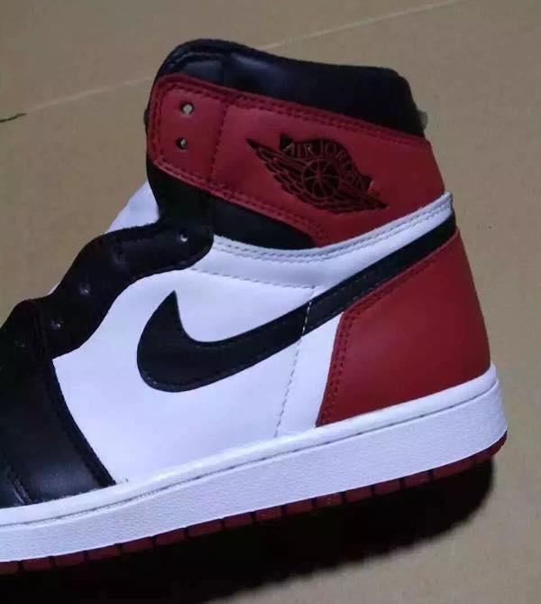 air-jordan-1-black-toe-2016-