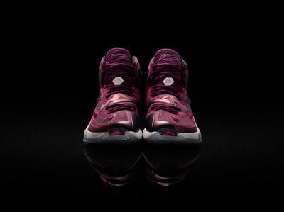 15-480_Nike_LeBron_13_0106-03_native_1600.jpg