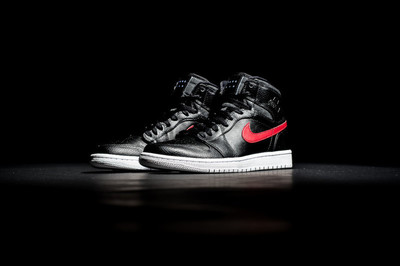 Air-Jordan-1-Retro-High-Rare-Air-Gym-Red-2-1010x674.jpg
