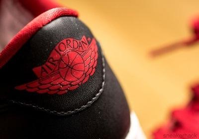 air-jordan-1-low-og-gym-red-black-3.jpg