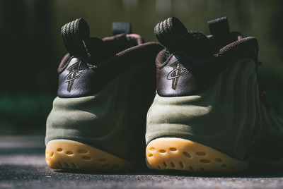 nike-air-foamposite-one-suede-olive-release-date-change-04.jpg