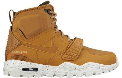 nike-air-trainer-sc-2-sneakerboot-1.jpg