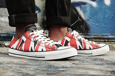 sex-pistols-converse-chuck-taylor-all-star-12.jpg