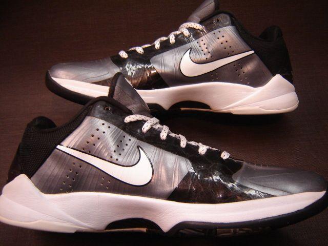 "Nike Kobe 5 ""Final Four"" Promo Sample"