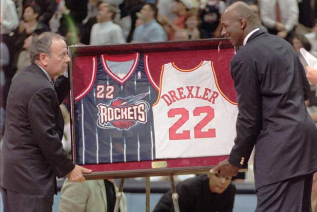 Clyde Drexler Jersey Retirement